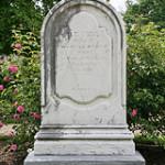 Memorials in Moreton